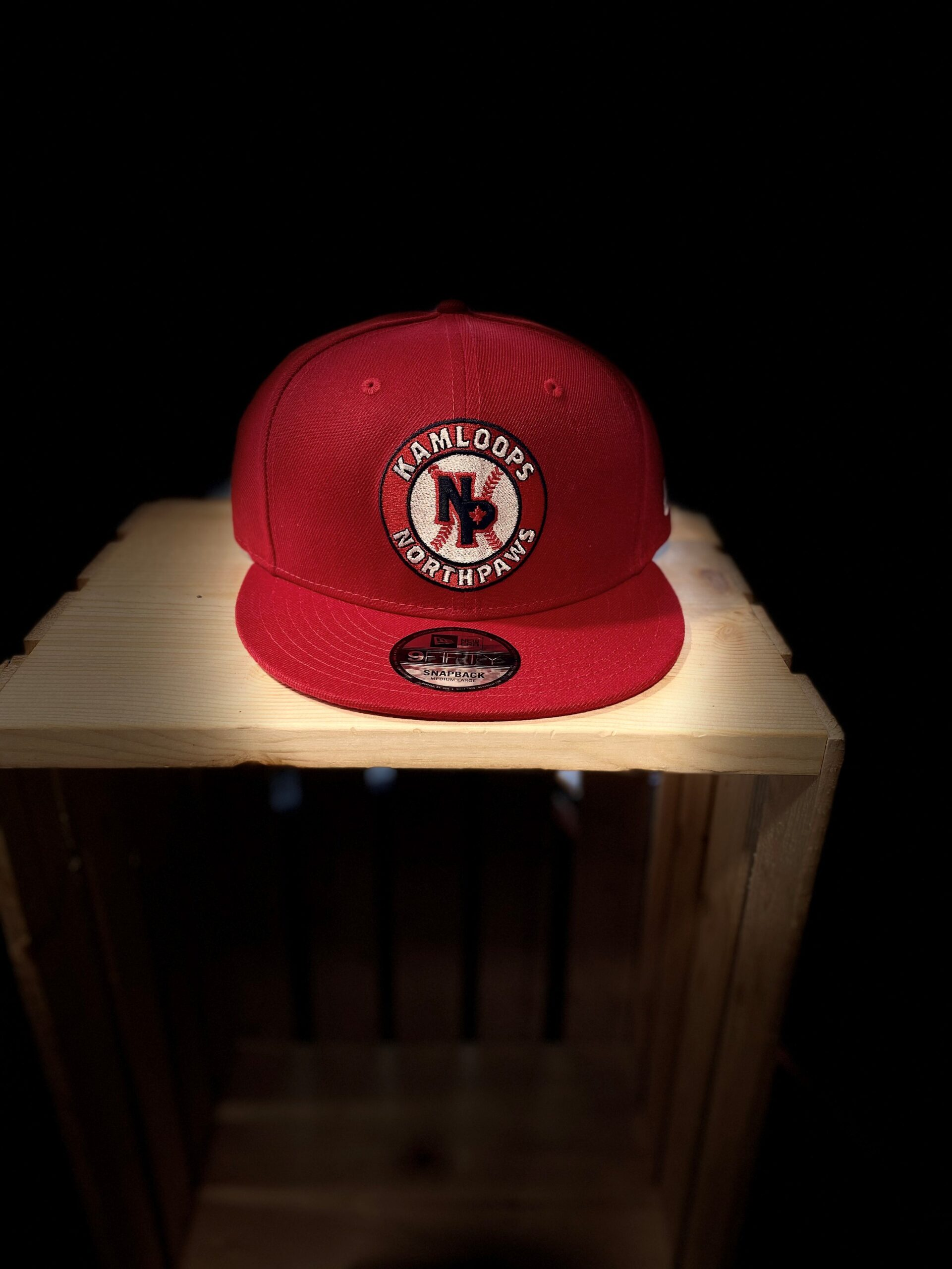 NorthPaws New Era 9FIFTY Snapback in Red